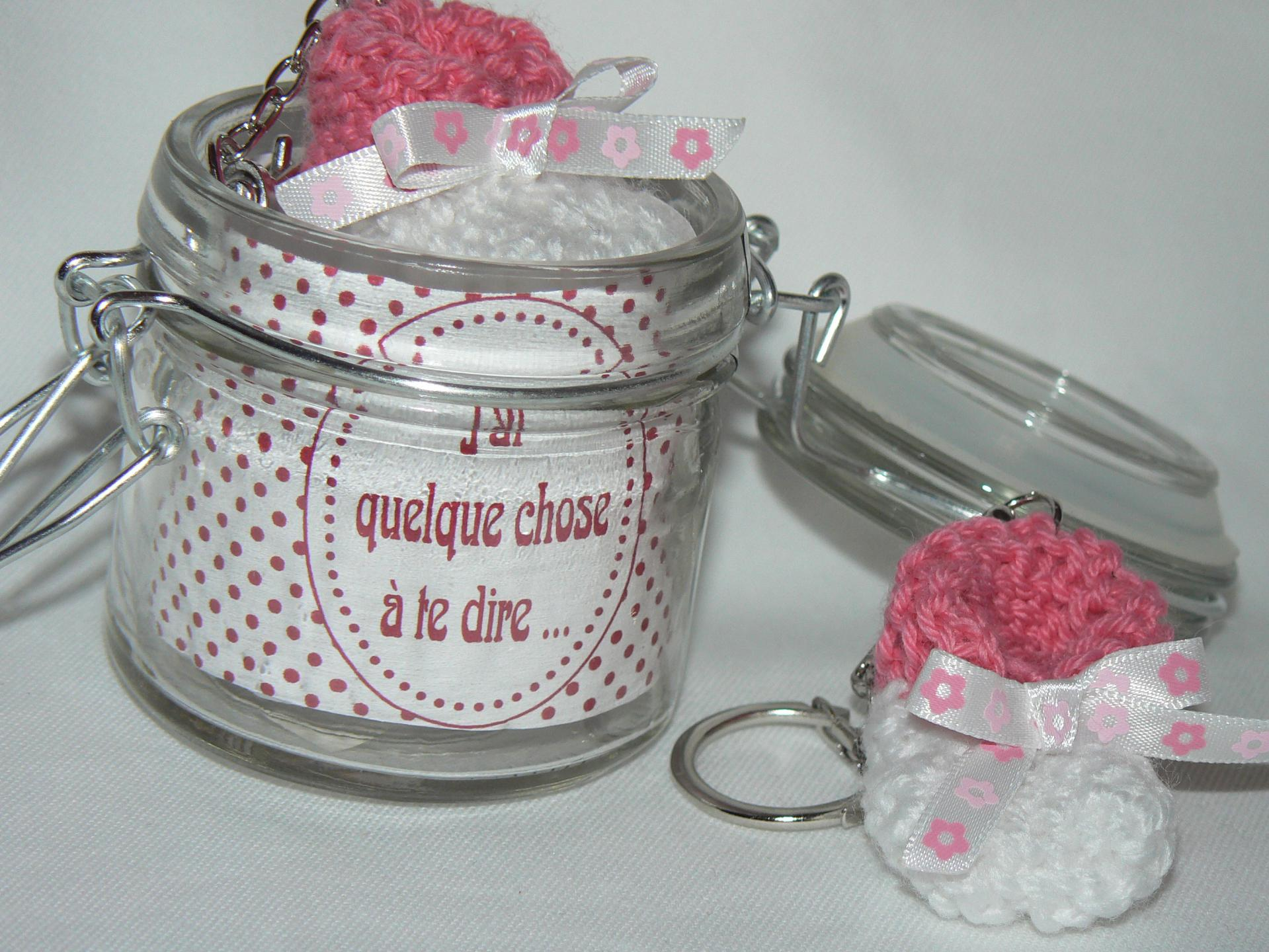 Porte clef chausson rose 2